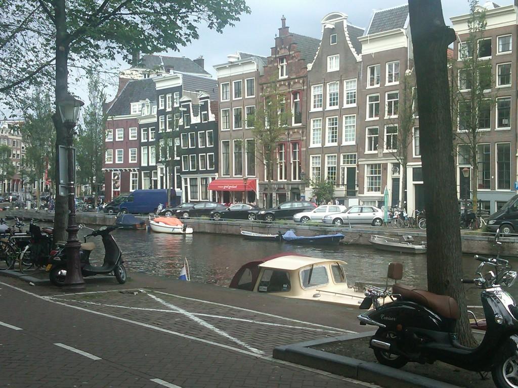 Amsterdam-Architecture1