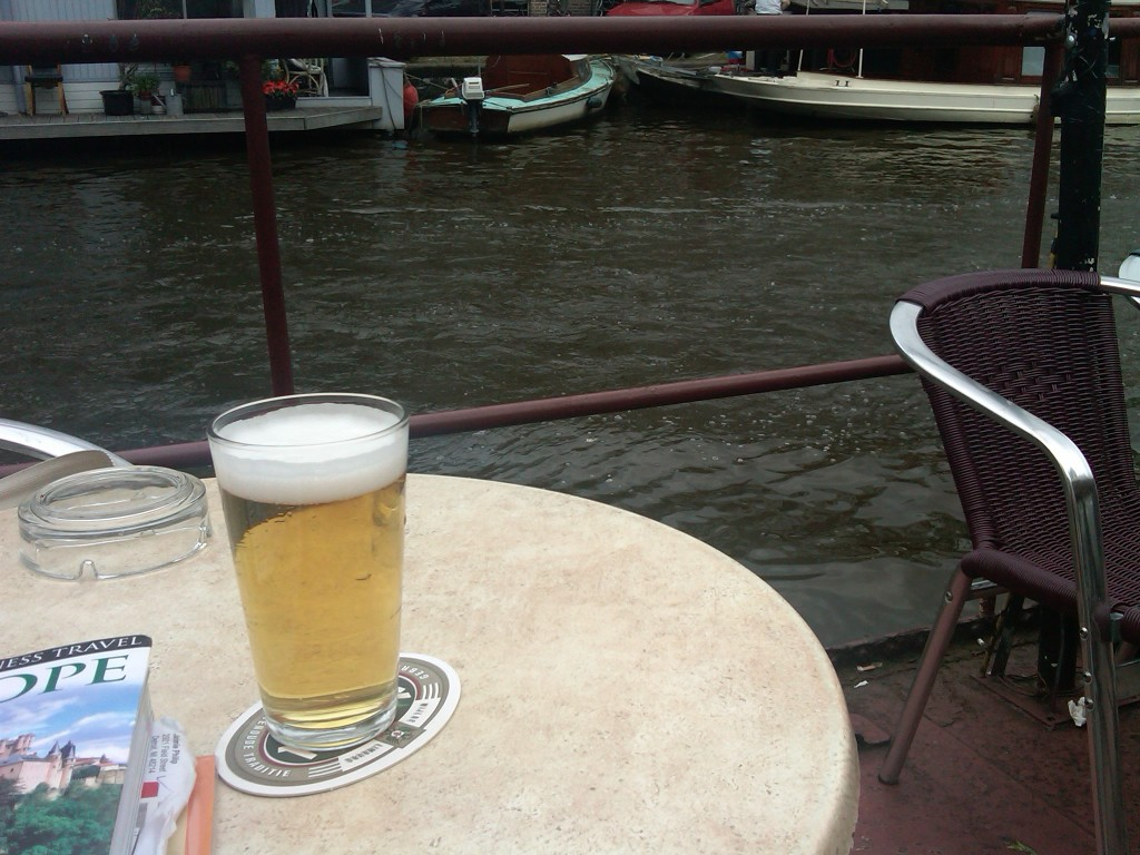 Amsterdam-CanalBeer