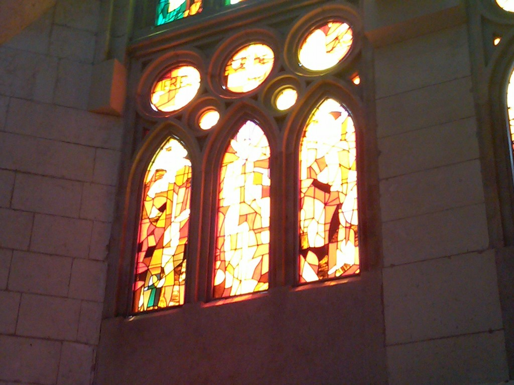 Barcelona-SagradaFamilia-Glass4