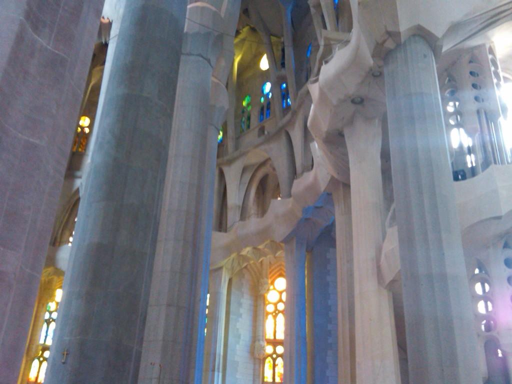 Barcelona-SagradaFamilia-Interior10