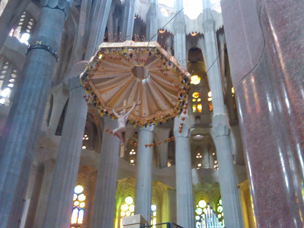Barcelona-SagradaFamilia-Interior12