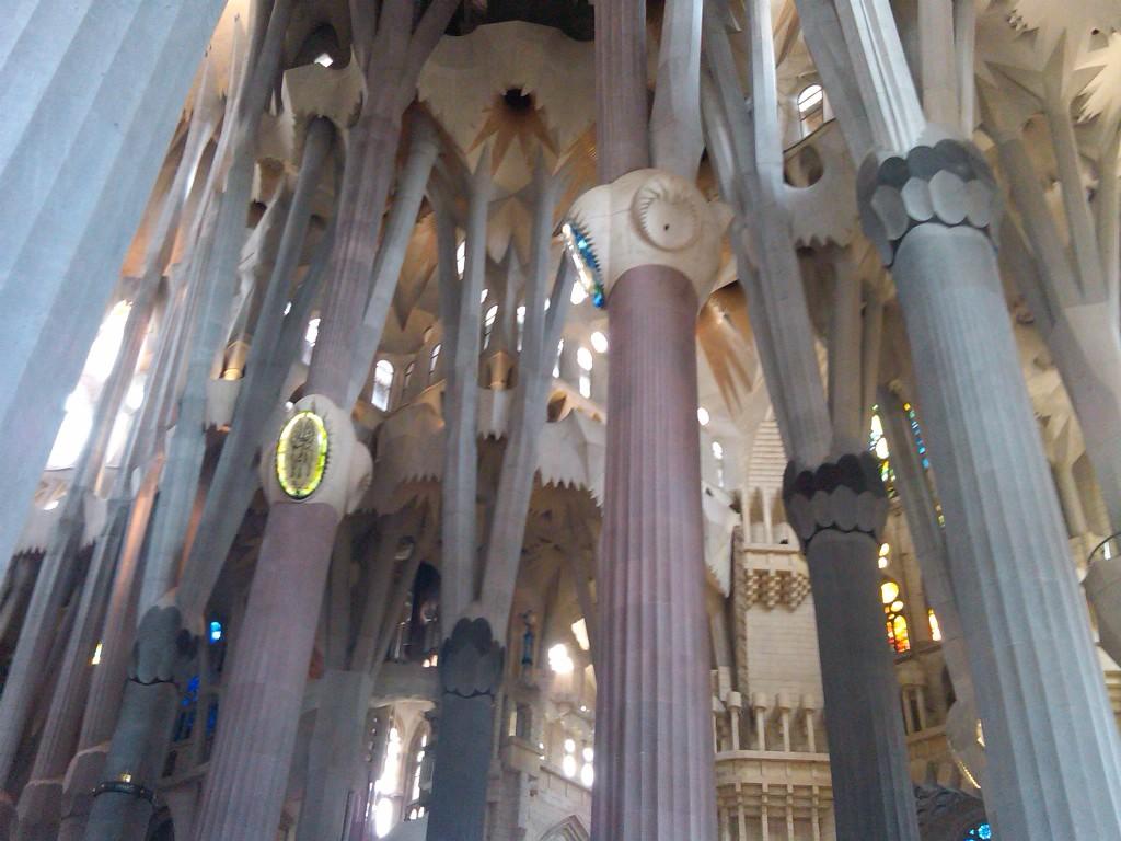 Barcelona-SagradaFamilia-Interior3