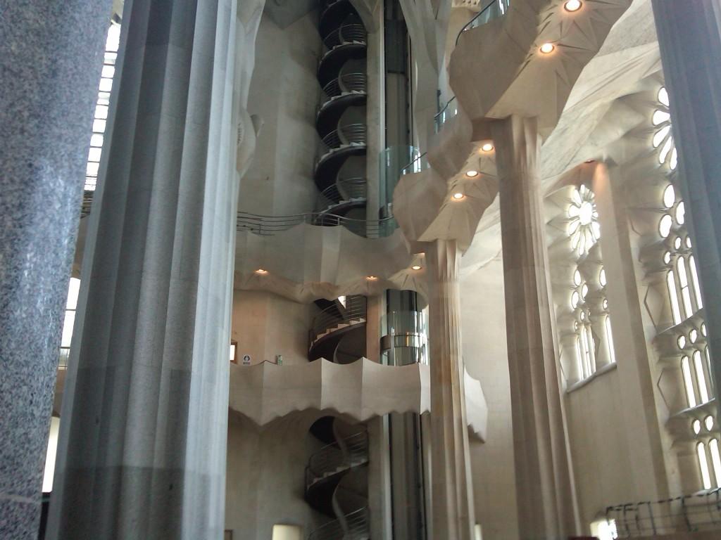 Barcelona-SagradaFamilia-Interior4