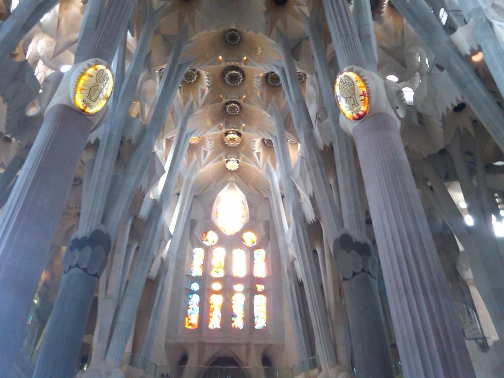 Barcelona-SagradaFamilia-Interior6