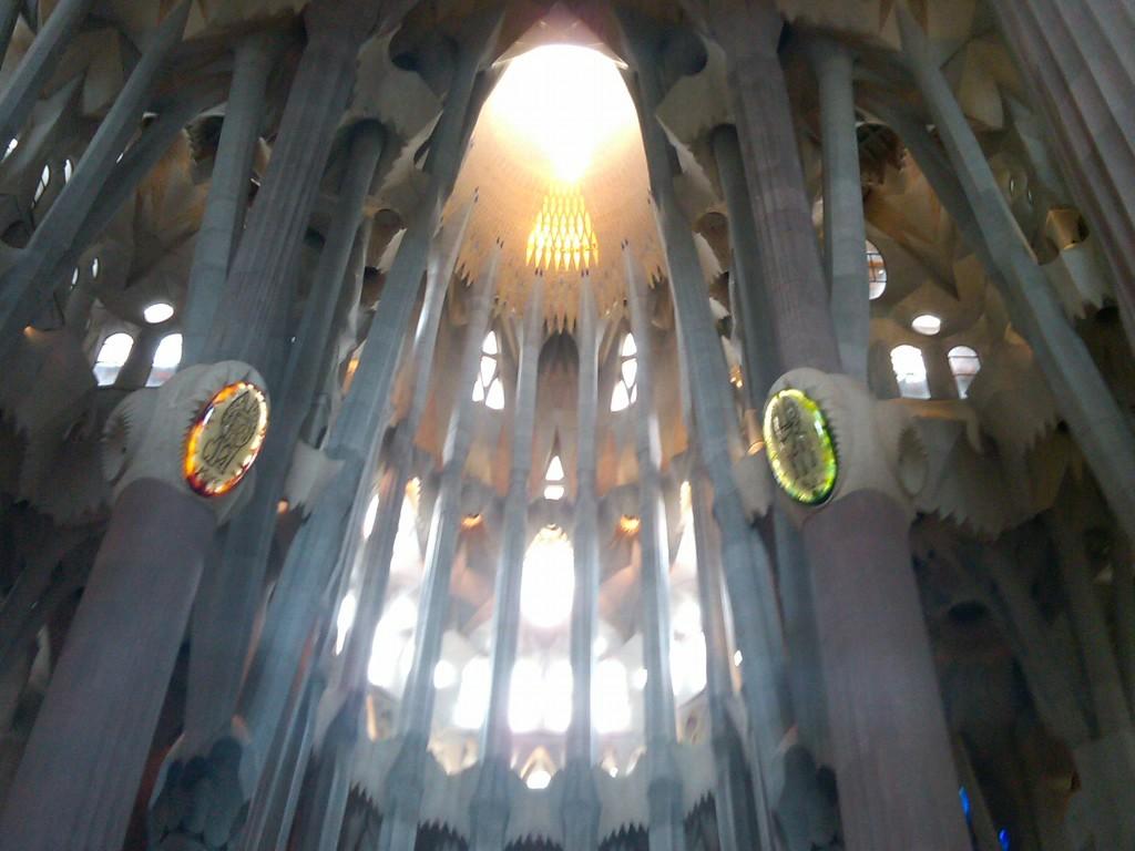 Barcelona-SagradaFamilia-Interior7