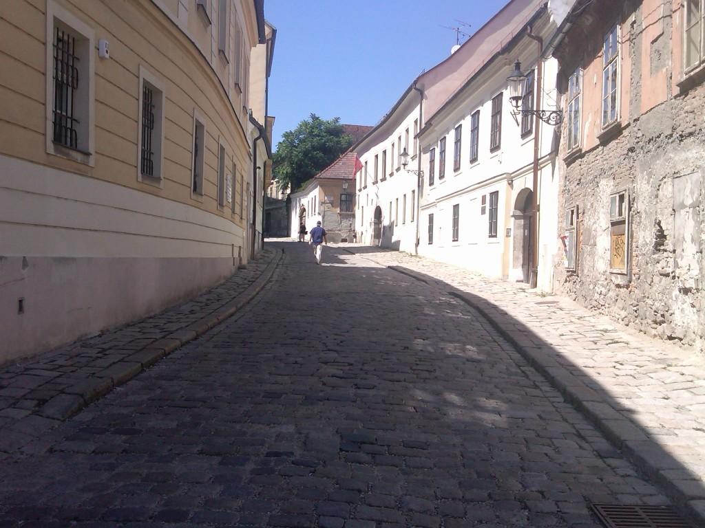 Bratislava-Alleys3