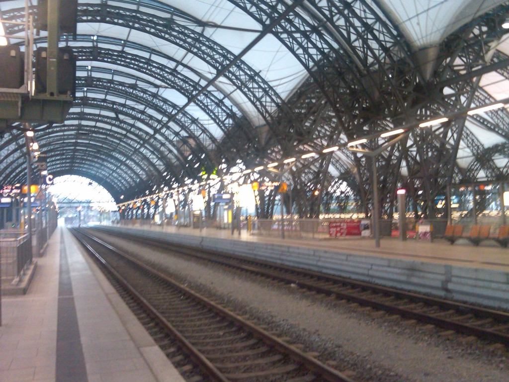 Dresden-TrainStation1