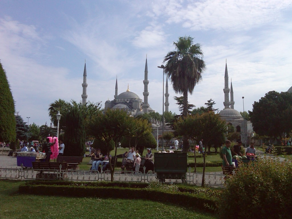 Istanbul-BlueMosque1