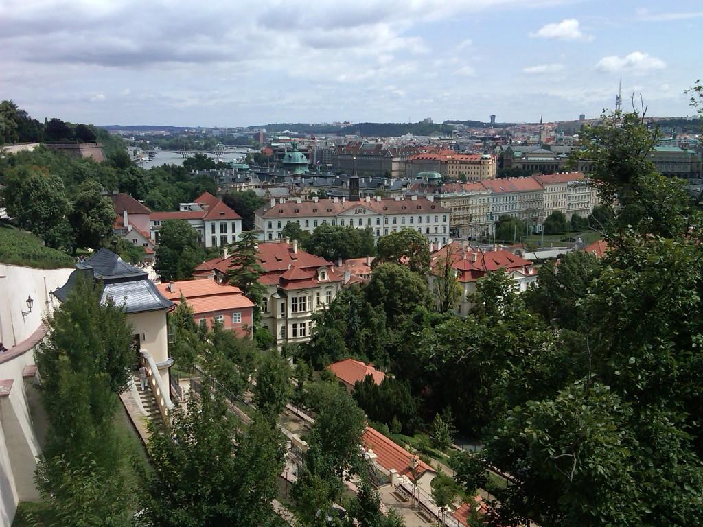 Prague-CastleView3