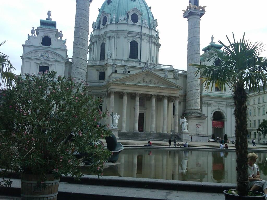 Vienna-Karlskirche2