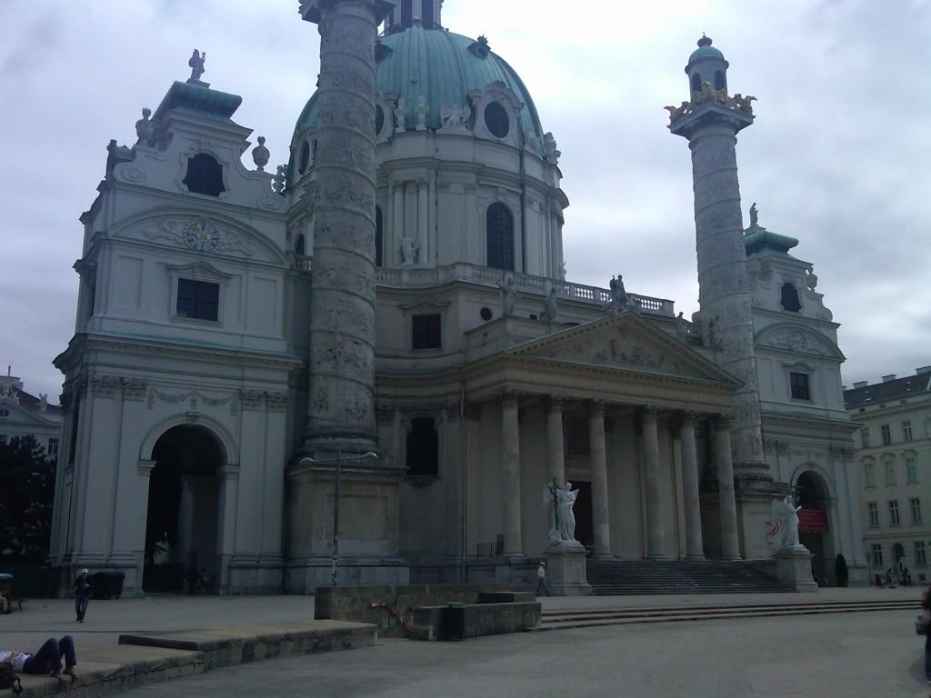 Vienna-Karlskirche3